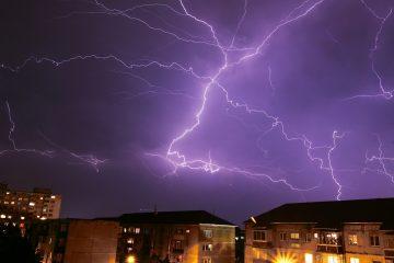 De esta forma, podría pasar el jueves cerca de la costa suroeste de Puerto Rico e impactar poco después con el sureste de República Dominicana con vientos huracanados. (Dreamstime)