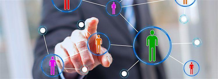 """Aunque se trate información superficial, los mensajes que las personas reciben a través de la redes influyen en las decisiones que toman, destacó la investigación """"¿Como las redes sociales dan forma a las decisiones políticas?"""", desarrollada por la Universidad de Houston (UH). (Dreamstime)"""