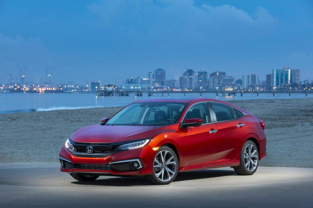 2019-Honda-Civic-Sedan-Touring-001-1024x683 La nueva línea del Honda Civic del 2020 está llegando a los concesionarios