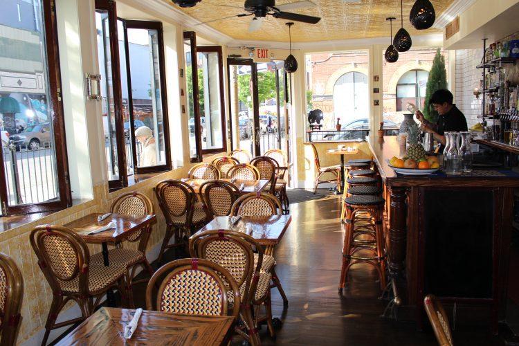de Mole es un restaurante cuya cocina es casera por el trabajo de amor de una familia.
