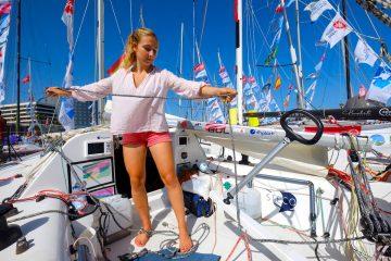 Con tan sólo dieciocho años la francesa Violette Dorange se convertirá en la primera mujer en la historia que cruzará el Océano Atlántico en solitario, en una travesía que zarpará este sábado dos de noviembre desde Las Palmas de Gran Canaria con destino Le Marin (Martinica). EFE