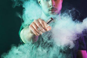 Se analizaron biopsias realizadas a 17 pacientes, todos usuarios de tales cigarrillos, que presentaban lesiones pulmonares posiblemente relacionadas con el vapeo. (Dreamstime)