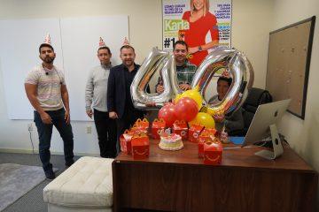 Para esta ocasión el gigante de comida rápida celebró con EL ESPECIALITO newspaper trayendo a nuestros empleados un delicioso menú con las cajitas felices, un pastel y globos como cualquier gran celebración.