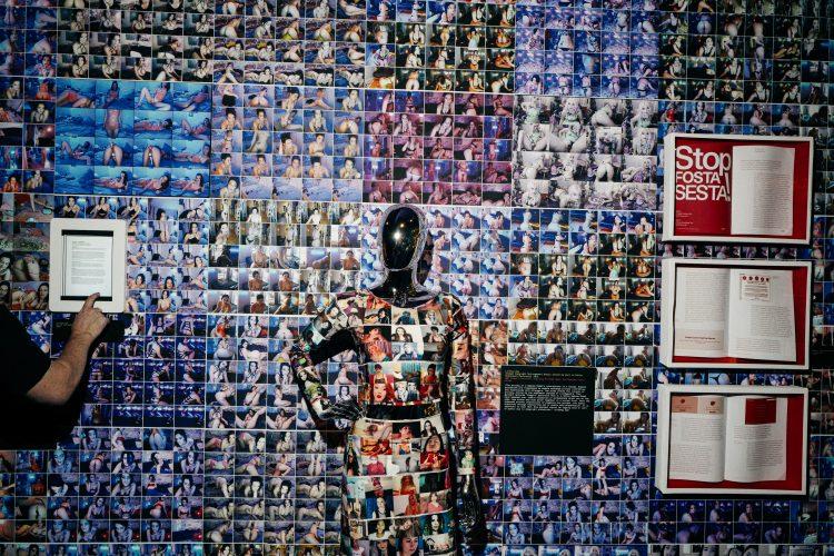 """El Museo Del Sexo y CAM4 presentan """"Cam Life: An Introduction to Webcam Culture""""."""