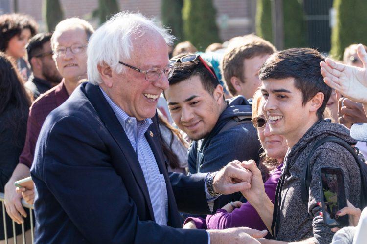 Ambos aspirantes representan las dos marcadas alas existentes actualmente en el Partido Demócrata, el ambicioso progresismo de Sanders frente al pragmatismo experimentado de Biden. (Dreamstime)
