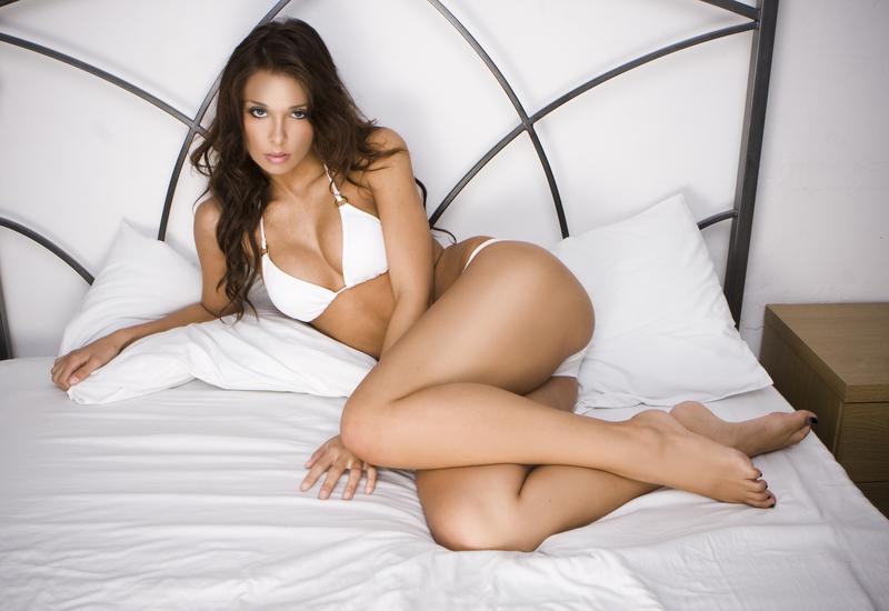 dreamstime_s_10466772 Camila, sexy entre sabanas
