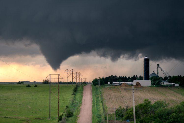 La Oficina del Alguacil del condado de Putnam indicó que la tormenta azotó especialmente fuerte la zona entre las ciudades de Cookeville y Baxter, donde varias viviendas resultaron destruidas. (Dreamstime)