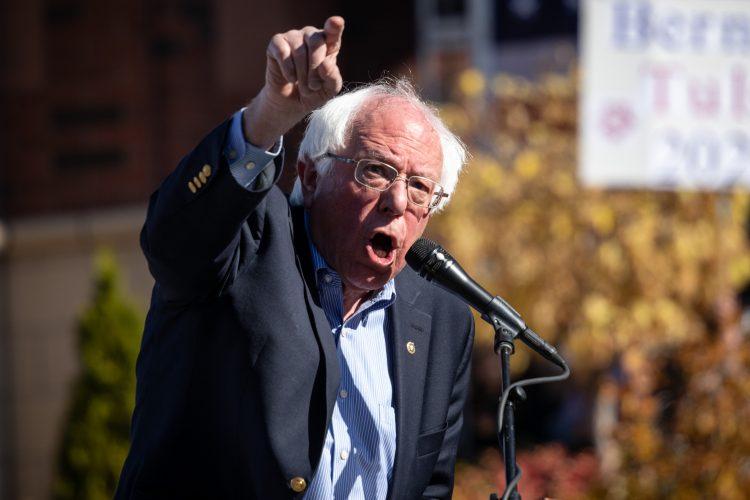 """Aparicio, en particular, observó que los dos candidatos demócratas """"son parte de la población vulnerable"""", al tener más de 70 años. (Dreamstime)"""