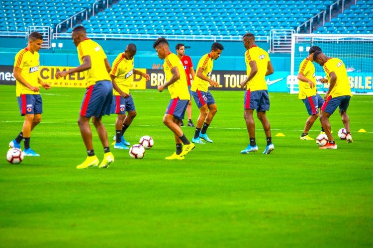 Vista de un entrenamiento de los jugadores de Colombia. EFE/Giorgio Viera/Archivo