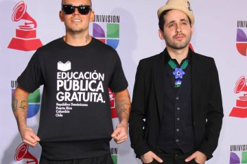 Esta charla se suma a otras que el artista boricua ha realizado con otros líderes políticos latinos durante el periodo de aislamiento social implantado como medida de prevención contra la COVID-19. (Dreamstime)