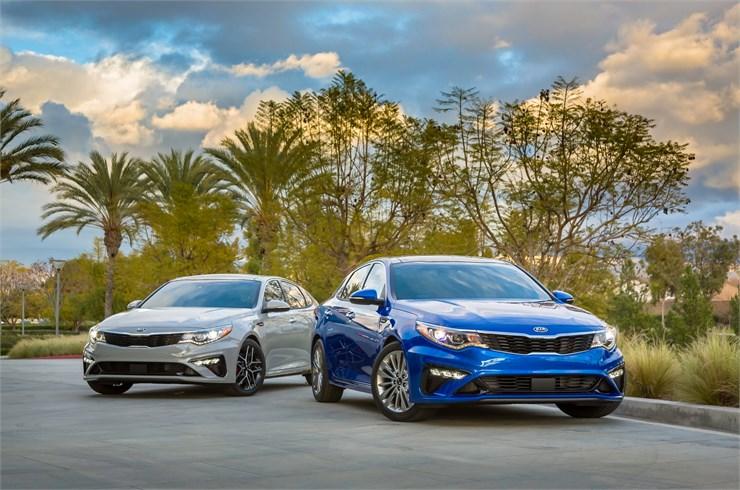El Optima se ha vendido en los Estados Unidos durante dos décadas y cuatro generaciones del modelo.