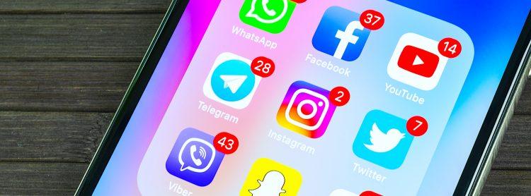 La alianza entre los propietarios de los dos sistemas operativos para celulares más presentes en el mundo deberá empezar a materializarse a mediados de mayo, cuando lancen una interfaz de programación de aplicaciones (API) compatible tanto con Android como con iOS. (Dreamstime)