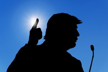 """Trump reconoció que quizá 90.000 muertes no puede """"llamarse un éxito"""", pero alegó que es preferible al """"millón o dos millones que habría habido"""" sin medidas de restricción del movimiento. (Dreamstime)"""