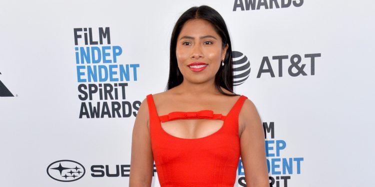 Aunque la oaxaqueña no se hizo con la estatuilla, fue la segunda artista mexicana en obtener la nominación al Óscar como mejor actriz (tras Salma Hayek) y, desde que la película vio la luz, Aparicio ha sido aclamada en todas las alfombras rojas. (Dreamstime)