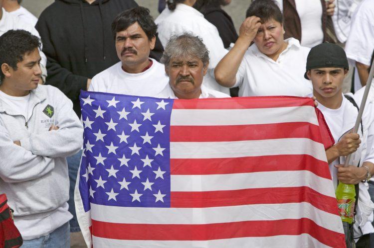 Según MPI, entre febrero y marzo el número de inmigrantes desempleados creció un 30 % comparado con un 17 % entre los trabajadores nacidos en el país.  (Dreamstime)