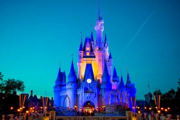 Aunque Disney no aportó más detalles sobre las medidas de seguridad que tomará, dejó claro que la capacidad será limitada, restringirá el uso de pases anuales y exigirá hacer reservas adelantadas. (Dreamstime)