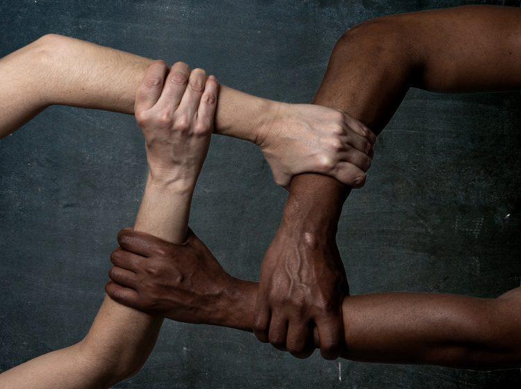 A su turno, los especialistas Heard-Garris y Jacqueline Dougé, autores de una declaración de política de AAP sobre racismo, ofrecieron las siguientes recomendaciones: (Dreamstime)