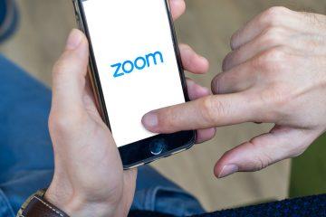 Escuelas, empresas e instituciones públicas de todo el mundo celebran en Zoom las reuniones que antes hacían en persona, y la cifra de clientes con más de diez usuarios alcanzó los 265.400 en abril, un 354 % más que hace un año. (Dreamstime)