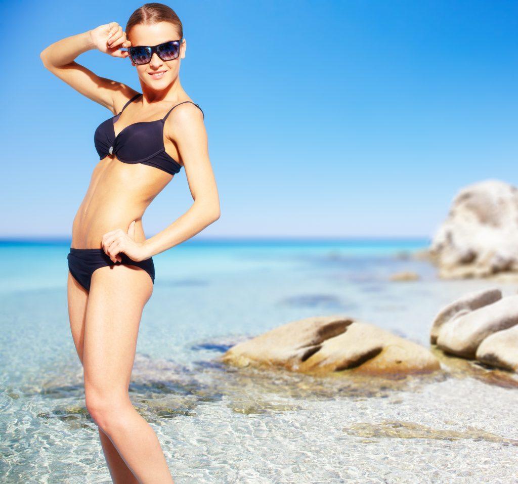 Foto-Grande-Chica-Sexy-1108-780x1024 Camila sale a tomar el sol en la playa
