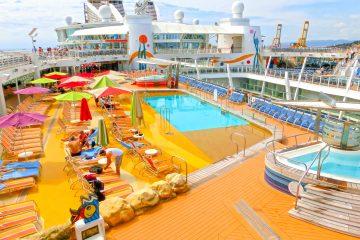 La naviera, con sede en Miami (Florida), precisó además que tienen previsto reiniciar los viajes desde China en agosto próximo y aquellos de Bermudas en noviembre. (Dreamstime)