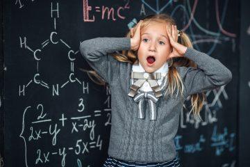 Tercero, los padres reportan una falta de comunicación, particularmente en español, con respecto al cierre de las escuelas o los recursos educativos disponibles. (Dreamstime)