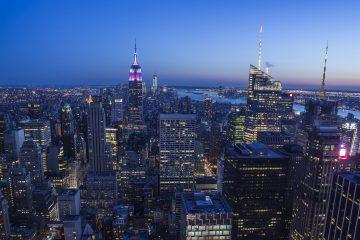 Nueva York se encuentra desde el pasado 6 de julio en la fase 3 de la reapertura de la ciudad y han abierto un gran número de negocios como las tiendas de minoristas, peluquerías y centros de tratamientos personales, así como los restaurantes, que no pueden ofrecer comida en su interior pero sí instalar terrazas. (Dreamstime)
