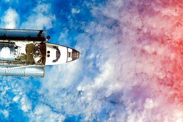 El satélite con radar desplegó poco después sus paneles solares para generar energía. (Dreamstime)