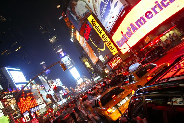 Este año, la pandemia de COVID-19 ha cambiado las reglas de esa multitudinaria celebración pero no la impedirá, aseguró este miércoles la Alianza de Times Square, que organiza el evento. (Dreamstime)