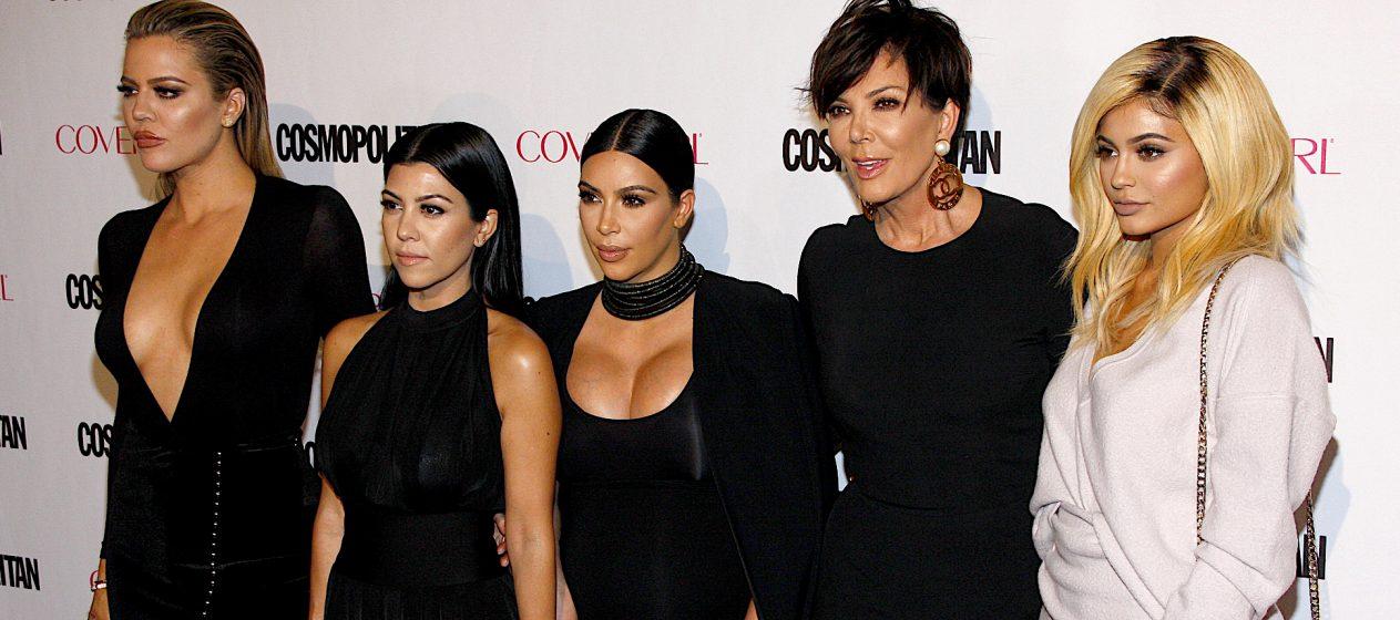 El escrito contiene las firmas de Kris Jenner, Kourtney Kardashian, Kim Kardashian West, Khloé Kardashian, Rob Kardashian, Kendall Jenner, Kylie Jenner y Scott Disick.  (Dreamstime)