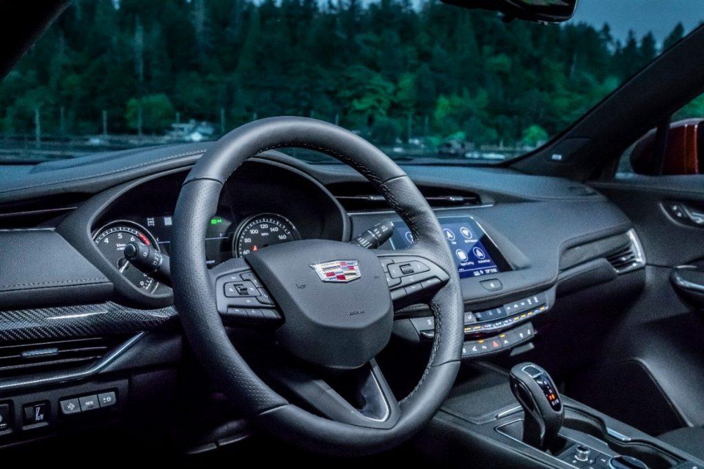 2019-Cadillac-XT4-122-1024x682 Cadillac XT4 del 2021, un SUV de lujo y compacto
