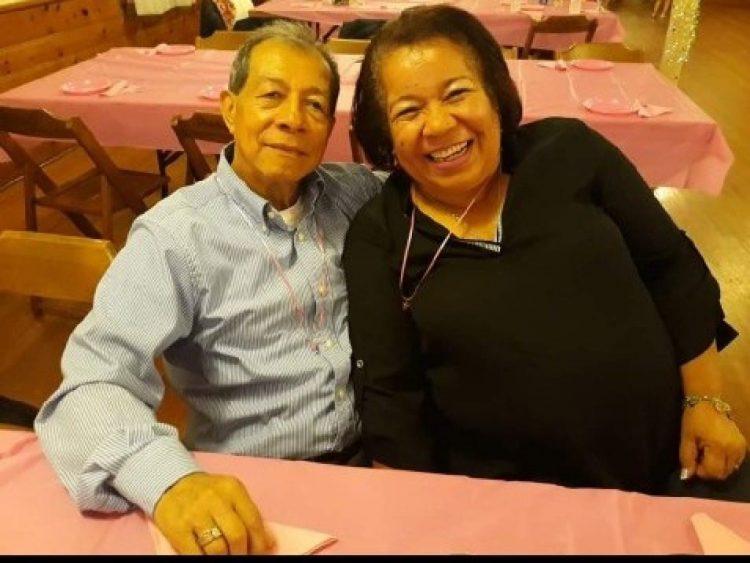 Luis Toro y su esposa la Sra. Margarita Arzayus.