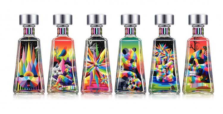 Como partes de la celebración de los 10 años de Essential 1800 Artists Series, Okuda San Miguel creó su propia colección de 6 botellas del famoso tequila.