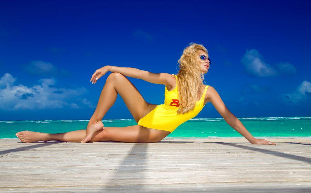 dreamstime_m_152934634 Megan, locura en la playa