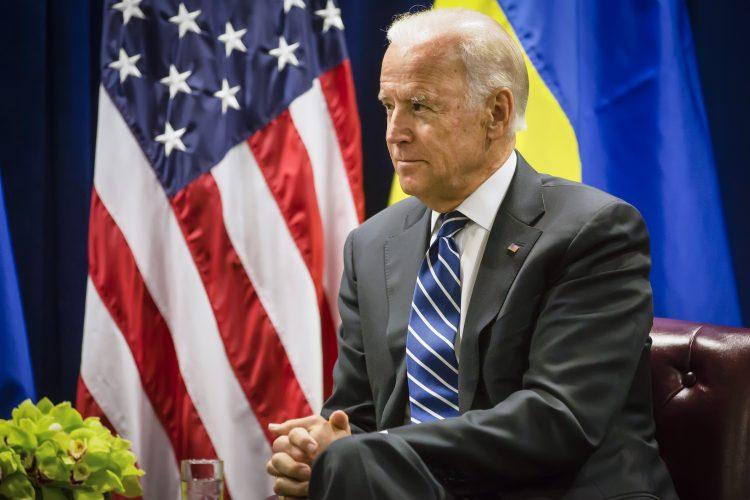 """El mismo Biden confirmó en Twitter el resultado: """"Me complace informar que Jill y yo hemos dado negativo en las pruebas de COVID"""". (Dreasmtime)"""