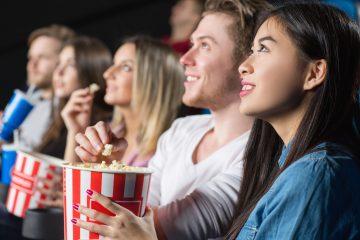 """Se exigirá el distanciamiento social, el uso de mascarilla excepto cuando estén sentados, comiendo o bebiendo así como asientos asignados en todos los teatros que cualifiquen y que no estén en la sllamadas """"zonas rojas"""" de contagio. (Dreamstime)"""