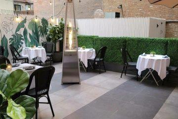 Hortus NYC se encuentra en la 271 Fifth Avenue, Nueva York, NY 10016, 646-858-3784.
