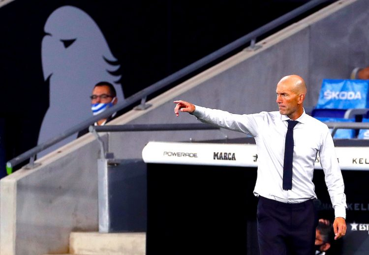 El entrenador del Real Madrid Zinedine Zidane  EFE/Alberto EstÈvez