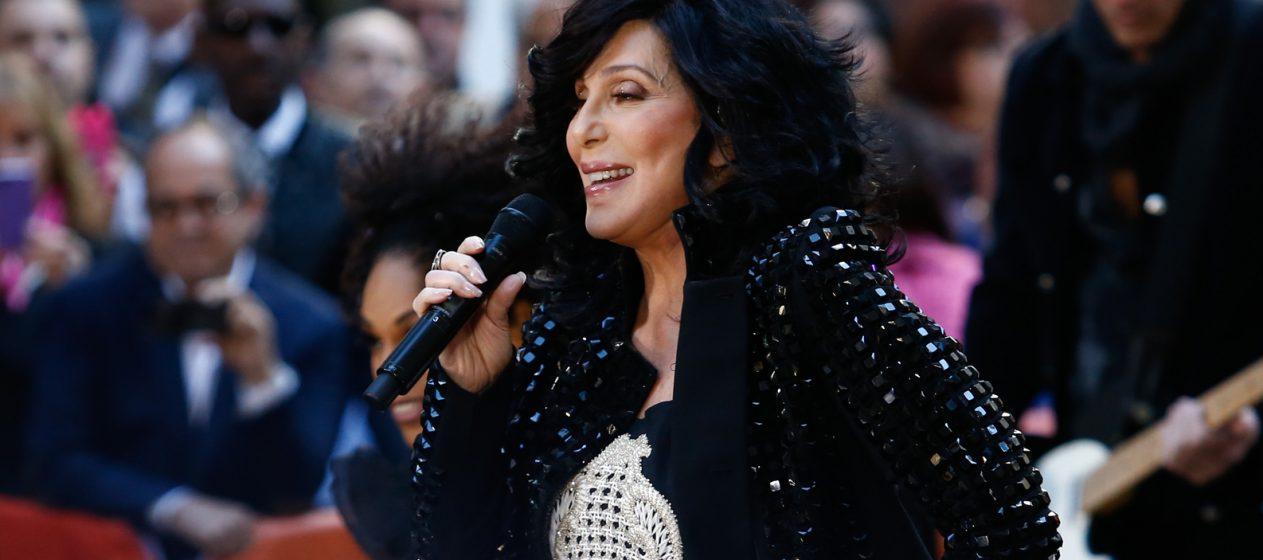 Khan agradeció a Cher su campaña para liberar al animal. (Dreamstime)