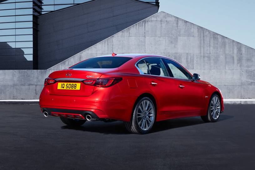 2021_infiniti_q50_sedan_red-sport-400_f_4 Infiniti Q50 del 2021 Suficiente sustancia y estilo