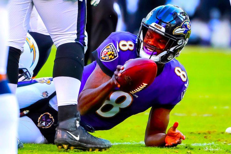 Durante esta semana los Ravens han incluido a 18 jugadores en esa lista, incluido el actual Jugador Más Valioso (MVP) de la Liga Nacional de Fútbol Americano (NFL), Lamar Jackson. EFE/EPA/ERIK S. LESSER/Archivo