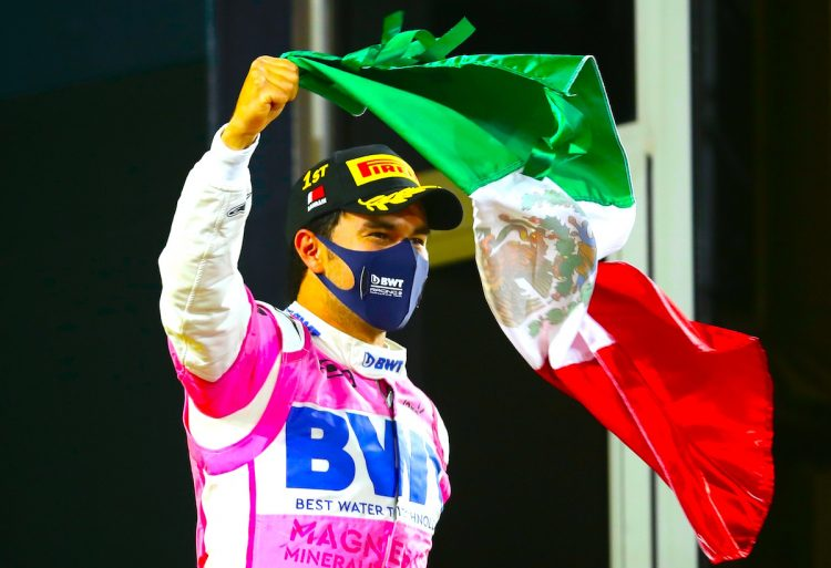 La escudería Red Bull, segunda en el campeonato de constructores, anunció este viernes el fichaje del mexicano Sergio Pérez -cuarto en el Mundial de Fórmula Uno. EFE