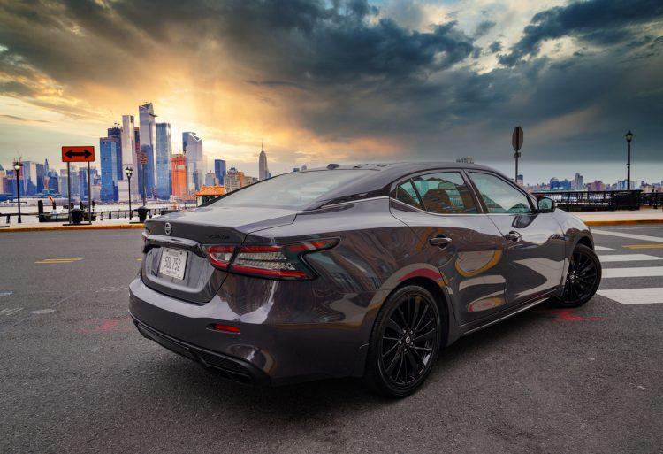 Nissan Maxima Platinum del 2021.