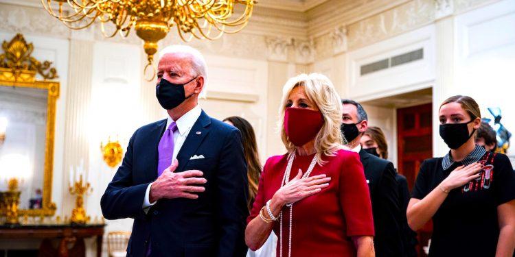 El President de USA Joe Biden con la Primer Dama Dr. Jill Biden.EFE/EPA/AL DRAGO / POOL
