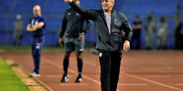 El colombiano Reinaldo Rueda, de 63 años, fue anunciado este jueves como nuevo seleccionador de su país en reemplazo del portugués Carlos Queiroz y tras haber rescindido su contrato con Chile en las últimas horas. EFE