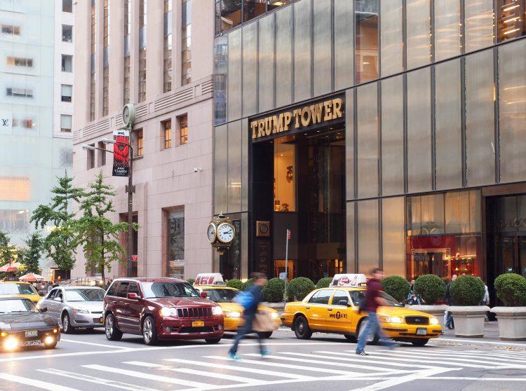 En 2016, cuando el magnate ganó las elecciones, el metro cuadrado de un apartamento en un edificio de Trump tenía el exorbitante precio medio de 36.002 dólares por metro cuadrado en 2016, mientras que en Manhattan la media rondaba los 21.466 dólares. (Dreamstime)