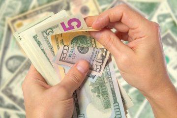 El banco BBVA indicó en un reporte que las remesas de mexicanos residentes en el extranjero llegarán a un máximo histórico de 3,8 % del PIB. (Dreamstime)