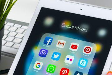 """Facebook también borró un vídeo publicado en esa página """"por violar sus políticas contra la desinformación sobre la covid-19 que pueda poner a la gente en riesgo de sufrir daños"""", añadió. (Dreamstime)"""