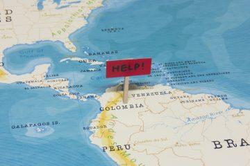 El personal de la primera línea en Colombia pide ser vacunado para poder prestar un servicio eficaz y seguro a los ciudadanos. (Dreamstime)