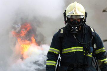 El fuego, del que por ahora se desconocen las causas, se declaró en la madrugada del martes y requirió de más de seis horas para ser extinguido. (Dreamstime)