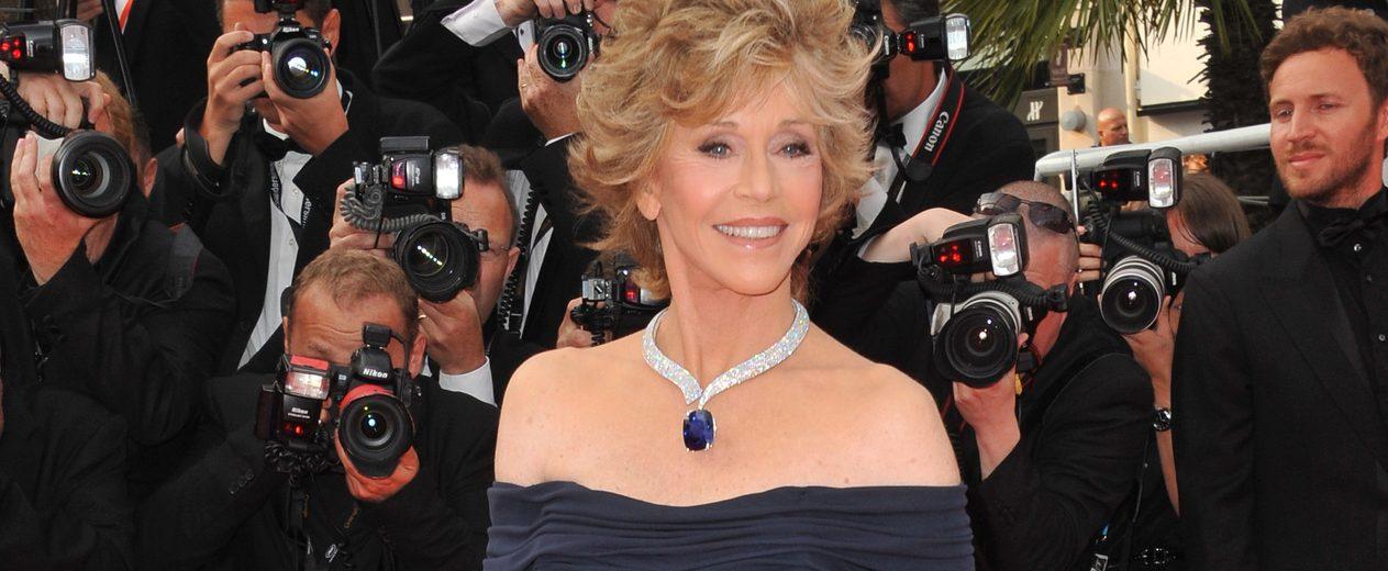 Fonda recibió el testigo como premio Cecil B. deMille de Tom Hanks, quien fue el homenajeado con la misma distinción en la gala de 2020. (Dreamstime)